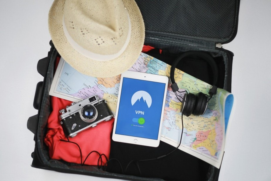 Basic Excellent Travel Accessories Every Tourist Must Have